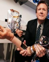 Crean en Estados unidos un brazo robotico