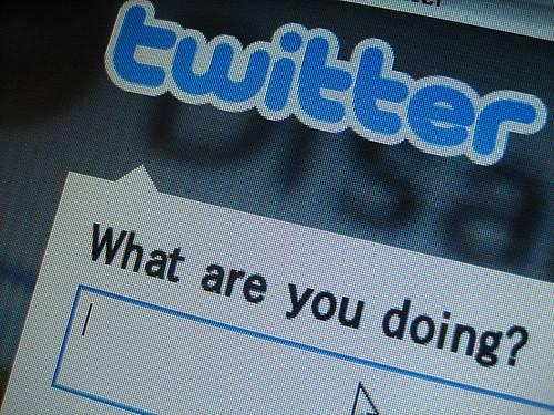 """En Francia no se puede mencionar """"Twitter"""" ni """"Facebook"""" por radio y TV"""