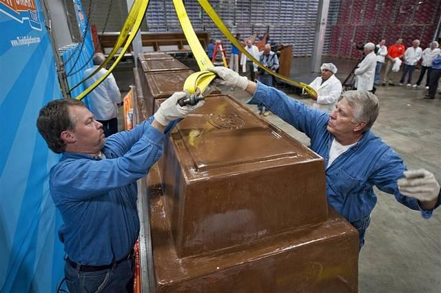 Fabrican el chocolate más grande del mundo