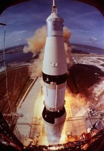 Hallan los restos del Apolo 11