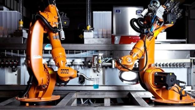 makr shakr bar robots preparan cocteles