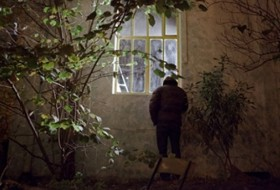 ladron retracta encuentra cadaver en casa