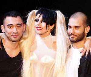Lady Gaga debuta como modelo de pasarela