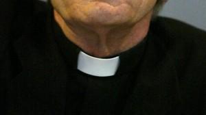 Demandan al Papa ante la Corte Penal Internacional