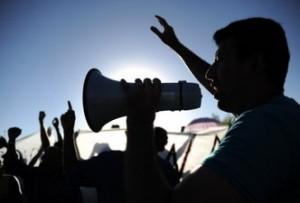 Bomberos y policías de Brasil suspenden la huelga durante la época del carnaval